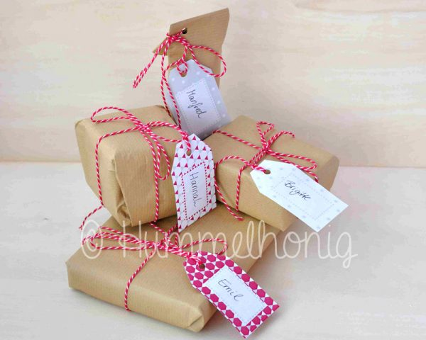 Geschenkanhänger Weihnachten rot beige