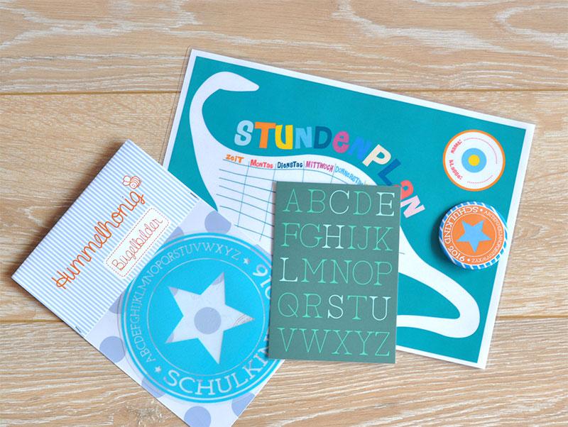 Schulkind Bügelbild Postkarte Stundenplan Button